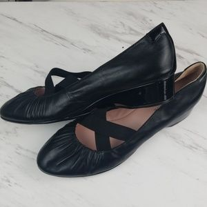 Taryn Rose Slip On Leather Shoes 9